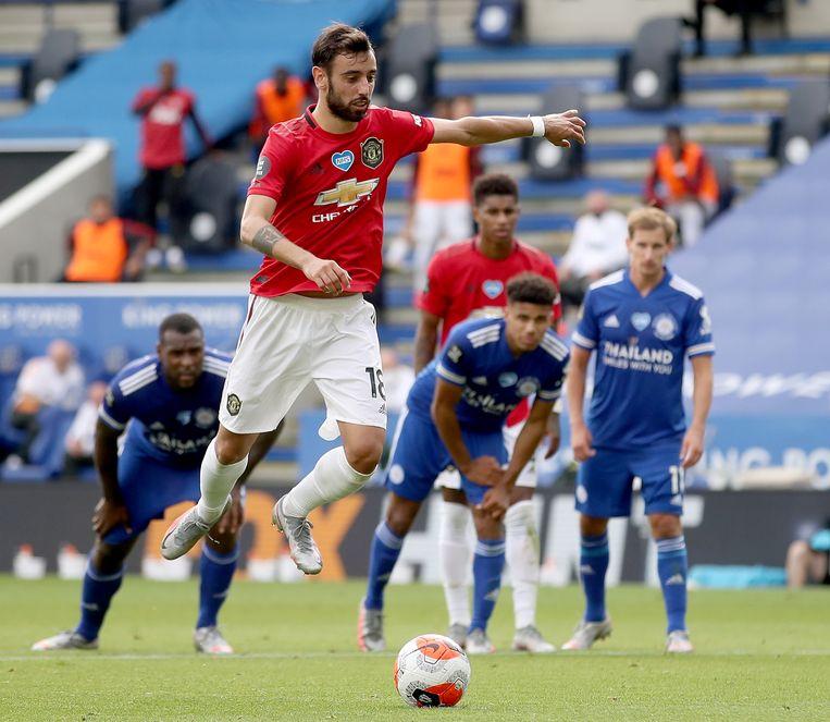 Bruno Fernandes van Manchester United tijdens de wedstrijd tegen Leicester City. Beeld EPA