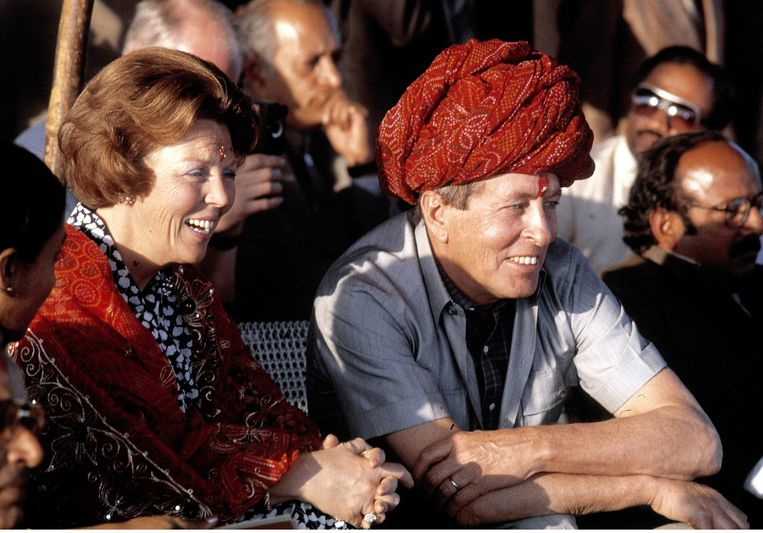 Toenmalig koningin Beatrix en prins Claus in India in 1986. Beeld anp