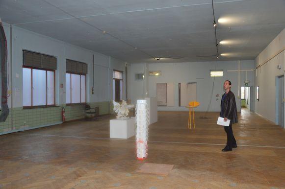 Een aantal kunstwerken in het RTT-gebouw.
