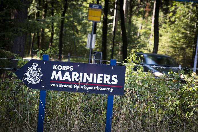 De huidige marinierskazerne in Doorn. Verhuizing naar Vlissingen lijkt van de baan, maar het kabinet stelt het besluit uit.
