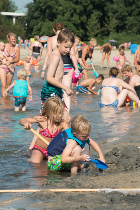 Er mag weer worden gezwommen bij Strand Nulde