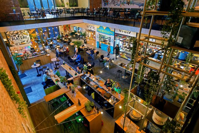 De Foodhall Breda heeft een andere inrichting gekregen met nieuw meubilair en meer groen.