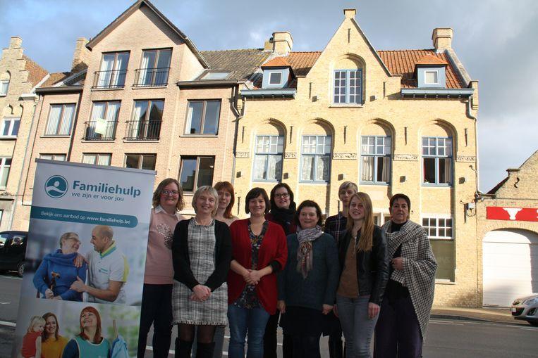 Het team van Familiehulp antenne Diksmuide: Charlotte Bossuyt, Els Monstrey, Petra Pollet, Els Catrysse, Heidi Delanote, Ilse Borra, Nina Barbier, Melanie Cornelis en Riet Coppens.