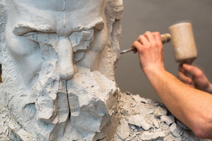 Kunstenaar aan het werk.