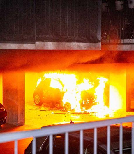 Politie houdt 39-jarige man aan voor autobranden in Arnhem: 'Beet!'