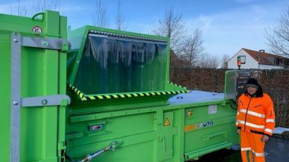 Recyclagepark heeft twee nieuwe perscontainers