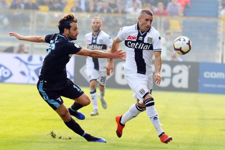 Antonino Barilla van Parma (rechts) in actie tegen Lazio Roma.