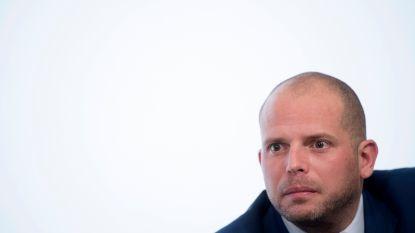 CdH eist ontslag van Theo Francken
