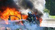 Explosie en vuurbal bij brand bestelwagen op E313 in Olen