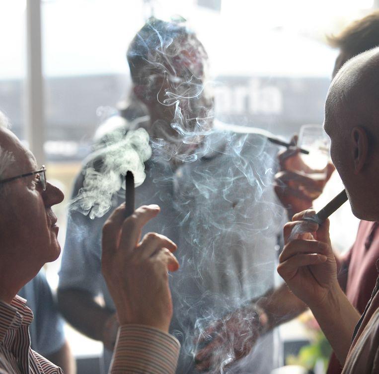 Werpt het rookbeleid zijn vruchten af voor meerokers? Beeld null