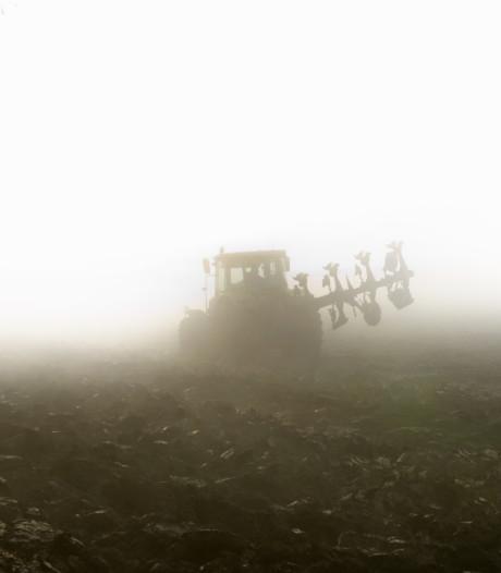 Les agriculteurs en colère ont labouré le champ des Ardentes