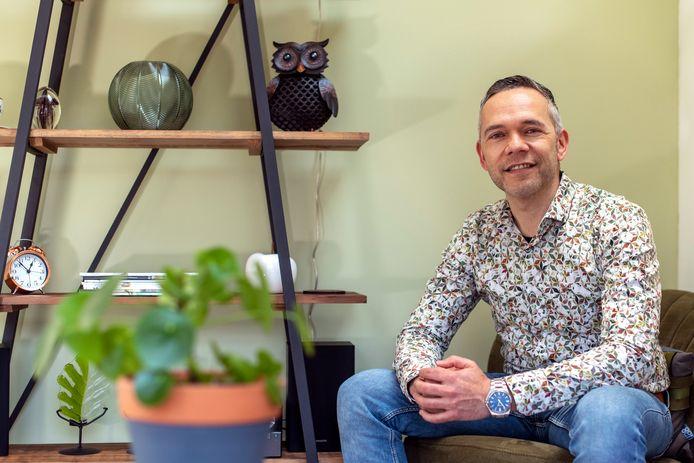 Jeremy Heshof is relatietherapeut en heeft tips voor de relatie in crisistijd.