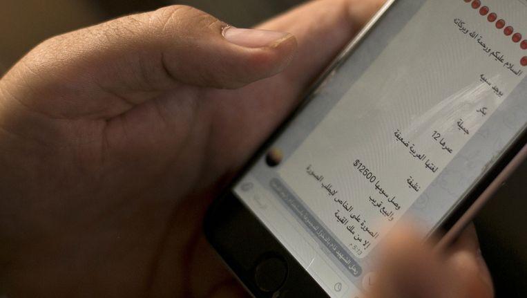 In een advertentietekst op de app Telegram wordt een 12-jarig meisje te koop aangeboden voor 12.500 dollar. Beeld ap