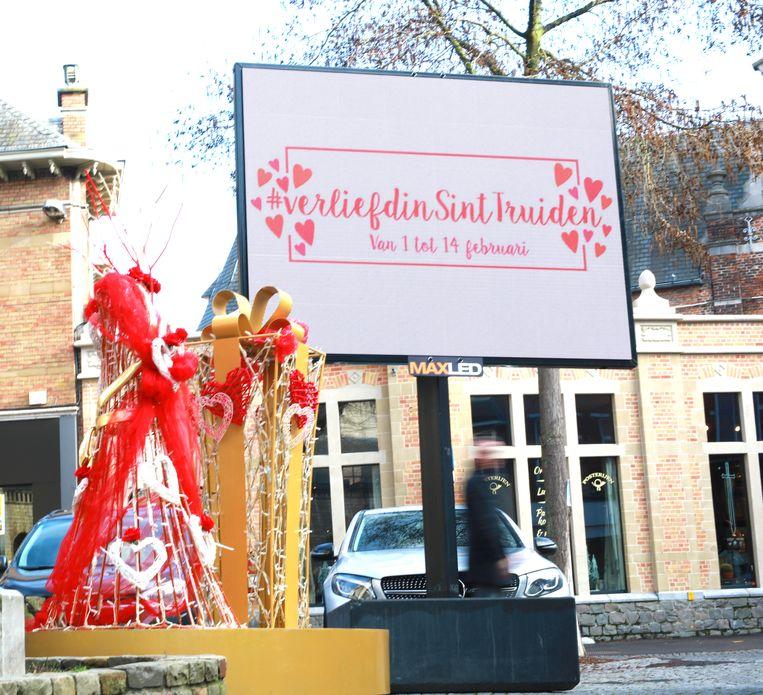 """Op de website www.verliefdinsinttruiden.be zijn er meer dan 135 cadeautips voor hem en voor haar terug te vinden""""."""