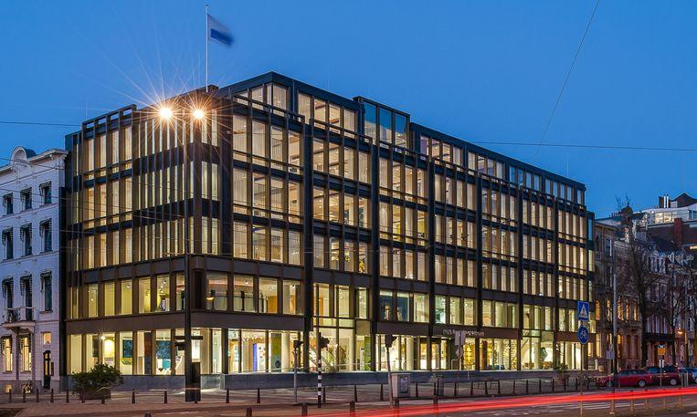 Het bezoekerscentrum van DNB op de hoek van de Sarphatistraat en het Frederiksplein Beeld Inbo Architecten