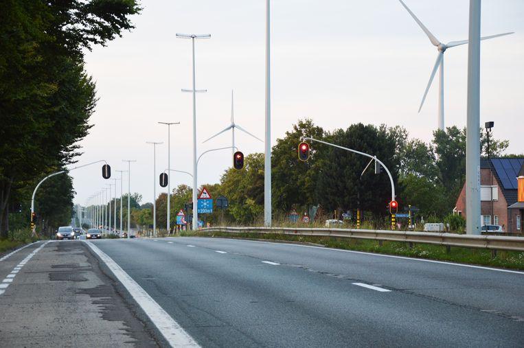 Op dinsdagavond 3 september start het Agentschap Wegen en Verkeer met de heraanleg van het kruispunt op de Expresweg (N45) met de Iddergemsesteenweg in Denderleeuw.