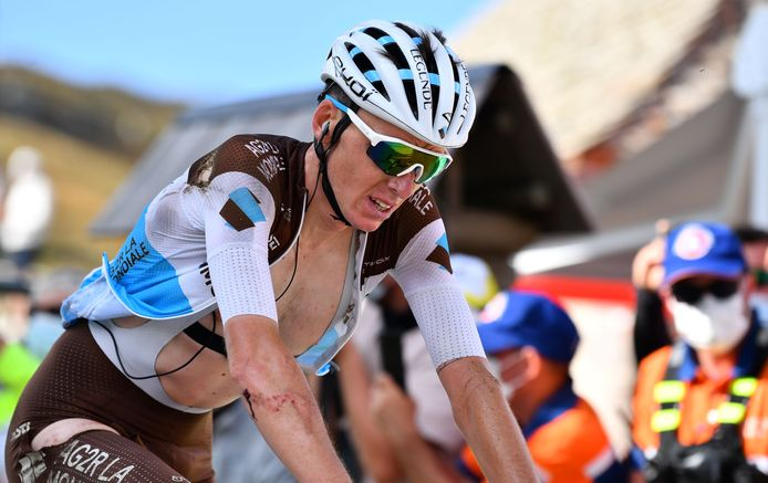 Romain Bardet kwam vandaag nog wel over de finish, maar stapt morgen niet meer op.