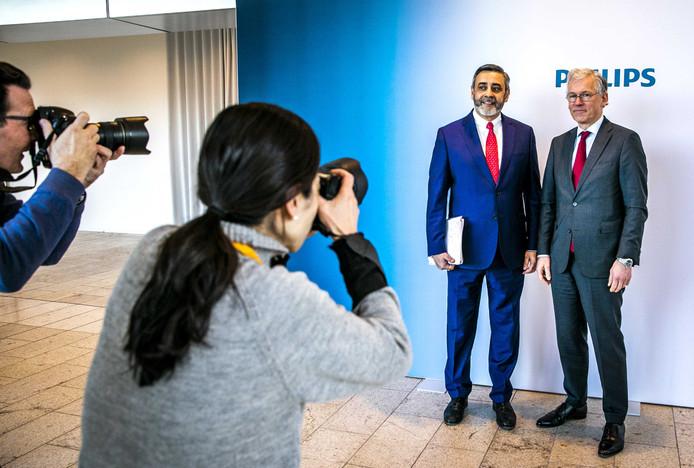 Philips-topman Frans van Houten en de financiële baas Abhijit Bhattacharya.