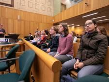 Leerlingen Sint-Janslyceum spelen eigen rechter
