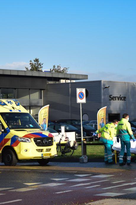 Fietsster zwaargewond bij botsing op rotonde in Doetinchem