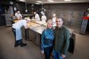 Bakker/patissier Eric met zijn vrouw Irma Otten in hun bakkerij die vorig jaar in gebruik werd genomen.