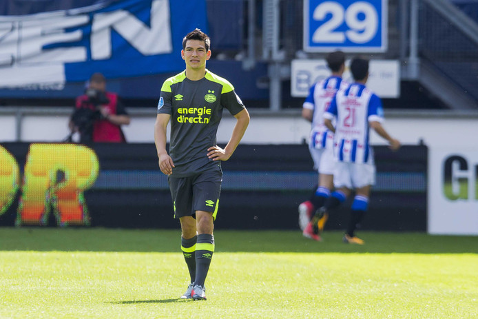 Lozano dreigt de topper tegen Feyenoord te missen.