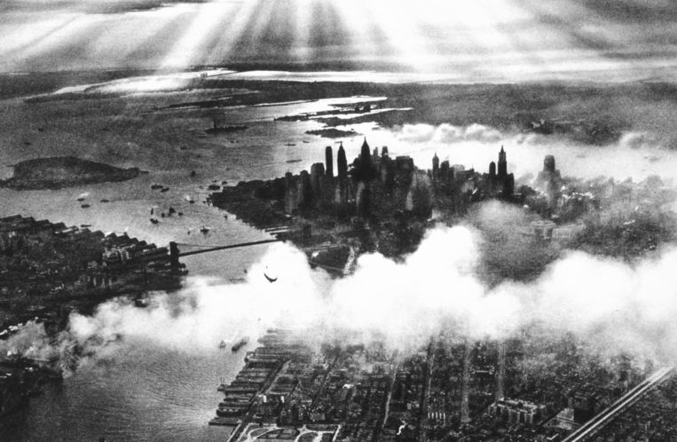 null Beeld Still uit documentaire van Ric Burns - Sunset_over_New_York_City_1932
