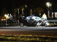 Ernstig ongeluk met truck op A58 bij Roosendaal: auto in gruzelementen