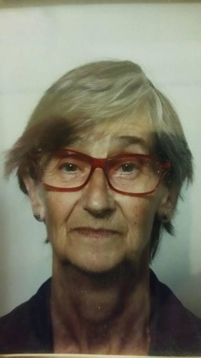 De 79-jarige Johanna Oudendijk wordt sinds dinsdagmorgen vermist in Veghel.