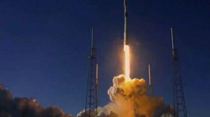 VIDEO. Militaire satelliet van raketbedrijf Elon Musk succesvol ruimte in gestuurd