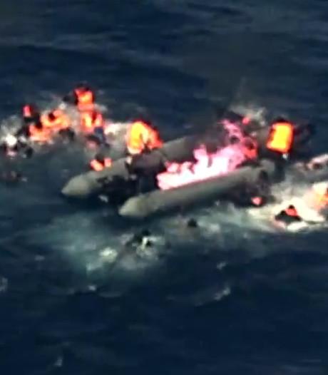 Boot met migranten vliegt in brand