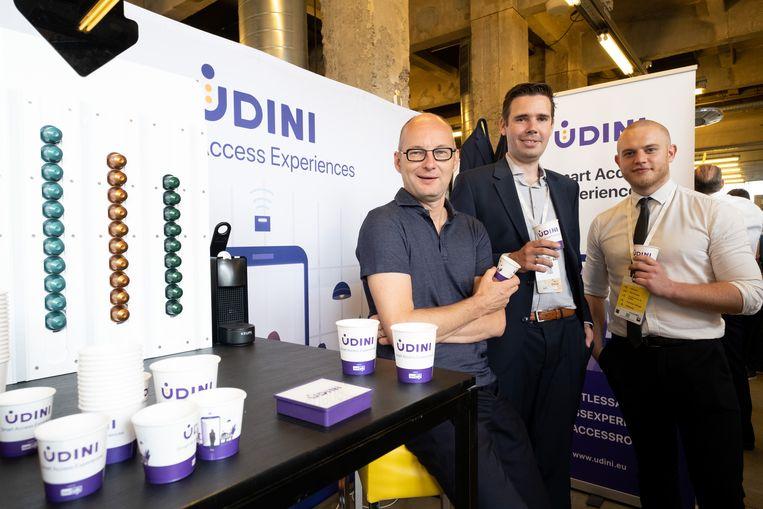 De app Udini biedt een Smart Access Experience. Roel Verbeeck, Peter Defreyne en Jonas Broekaert op hun stand
