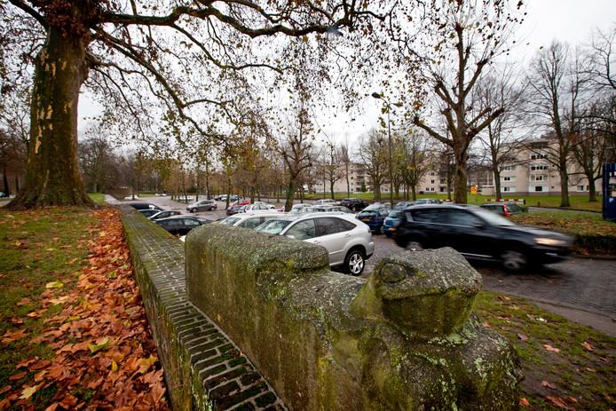 Het oude Vonk & Vlamterrein waar nu de parkeergarage Sint-Jans staat. Voor de bouw van het parkeerpaleis verdwenen meer dan honderd bomen.