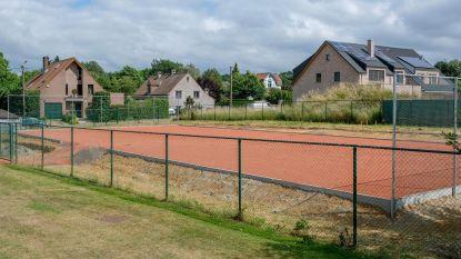 Tijdelijk tennisveld eind deze week klaar