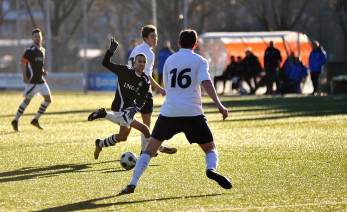 Latif El Malki, hier in actie tegen FC Trias, scoorde voor SML tegen De Paasberg.