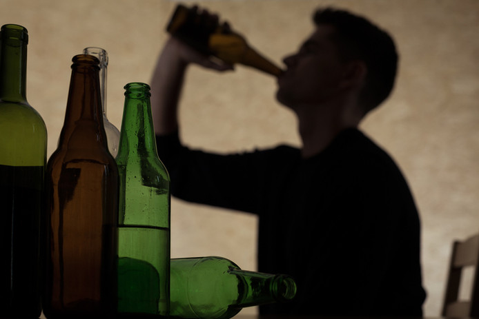 Minderjarigen komen in Roosendaal minder makkelijk aan alcohol dan twee jaar geleden, blijkt uit onderzoek.