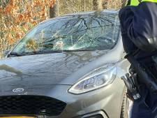 Jongen gewond aan hoofd bij aanrijding met auto in Enschede