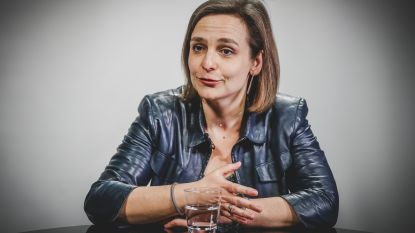 """Barbara Pas (Vlaams Belang): """"Het cordon gaat ver. Toen mijn man stierf, heeft slechts handvol collega's mij gecondoleerd"""""""