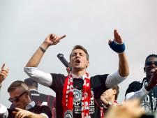 PSV koestert spits en uithangbord Luuk de Jong