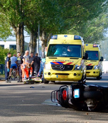 Bestuurder van snorscooter ernstig gewond bij ongeluk in Arnhem