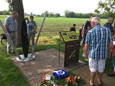 Toom Crash Monument 1944 onthuld met plechtigheid in Budel