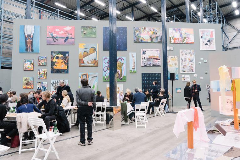 Art Rotterdam , Schilderijenwand op afdeling Prospects & Concepts van het Mondriaan Fonds  (c) Almicheal Fraay / Art Rotterdam Beeld Almicheal Fraay / Art Rotterdam