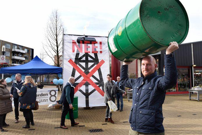 Elias Bom in actie tegen olie- en gasboringen in Woerden. Archiefbeeld
