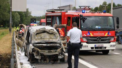 Bestelwagen brandt volledig uit op E34