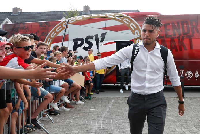Maximiliano Romero keert terug bij PSV en wil komend seizoen zijn kansen afdwingen.