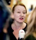 Eugenie Stolk staat de pers afgelopen november te woord na een overleg van onderwijsvakbond AOb. Ze is dan nog vice-voorzitter