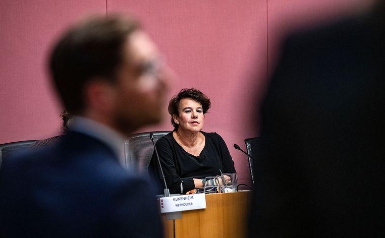 Sharon Dijksma woensdag in de Amsterdamse gemeenteraad. Beeld Guus Dubbelman / de Volkskrant