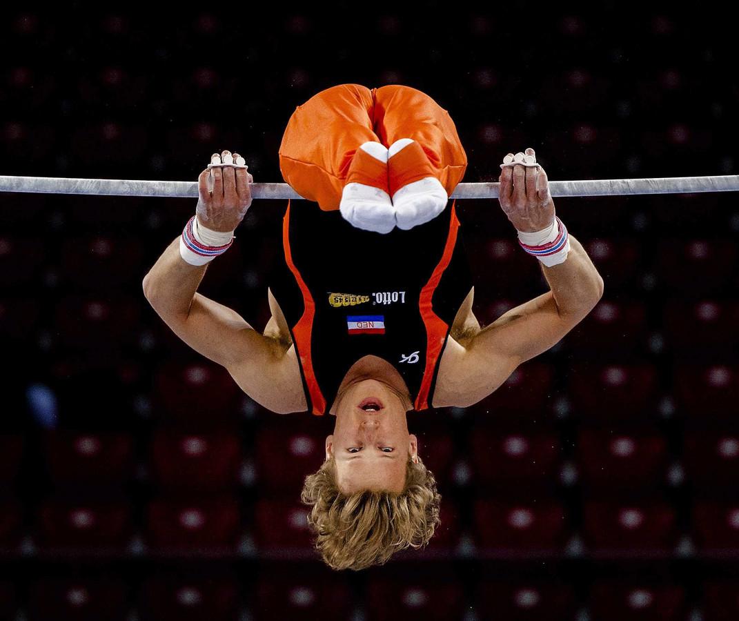 Epke Zonderland wint zijn tweede Europese titel op de rekstok.