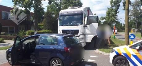 Poedelnaakte en dronken vrachtwagenchauffeur klemgereden in Uden