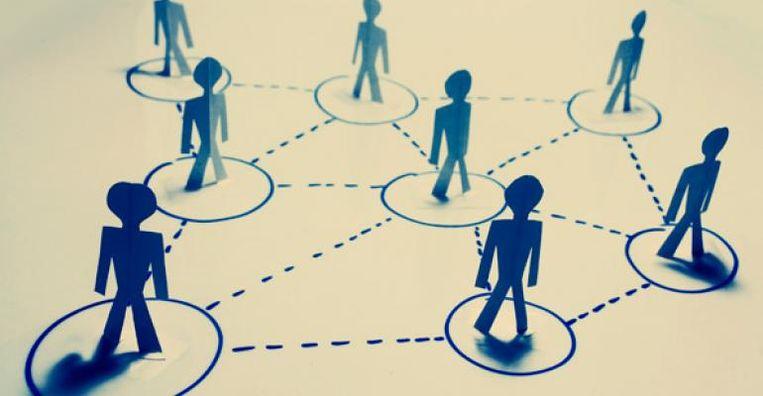 Volgens de principes van lean steekt de manager zijn energie vooral in het creëren van goede onderlinge relaties tussen de medewerkers, eerder dan in micromanagement.